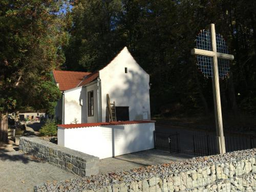 Kříž v Hluboké nad Vltavou